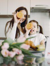 Zuckerfrei erziehen: Wie geht man mit auswärts essen um?