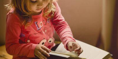 Kindern Wissen auf eine spielerische Art vermitteln