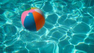 Permanenter Badespaß mit Poolüberdachung