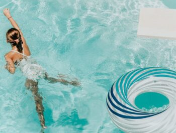 Schwimmvergnügen bei jedem Wetter für die Kids